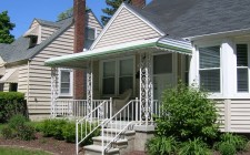 Michigan Awning with Green Style Line